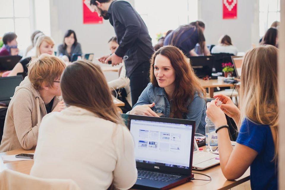 Ela Moscicka during programming workshops
