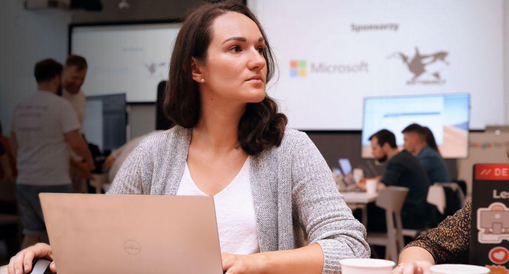Ela Moscicka during programming workshop